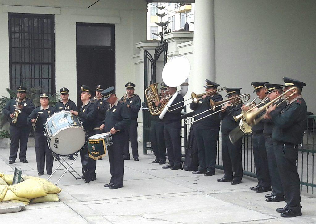 Cómo me animé a viajar en el tren Lima a Huancayo: banda de música de la Policía Nacional del Perú