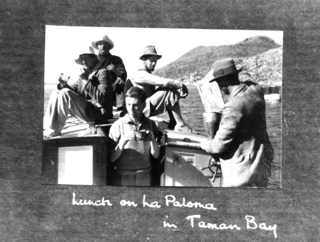 """Lancha a motor """"La Paloma"""" comprada para la expedición al lago Titicaca"""