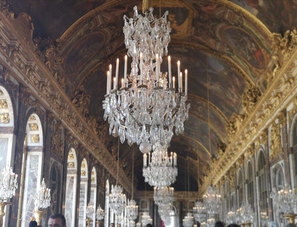 Salón de los espejos en el palacio de Versalles