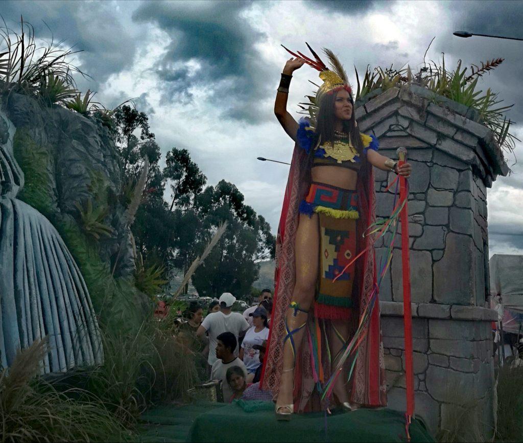 Carros alegóricos en el carnaval de Cajamarca