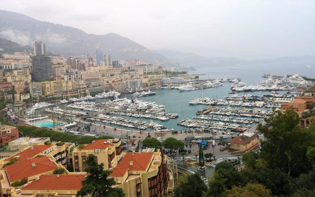Qué hacer en Niza en 2 días: yates en Mónaco