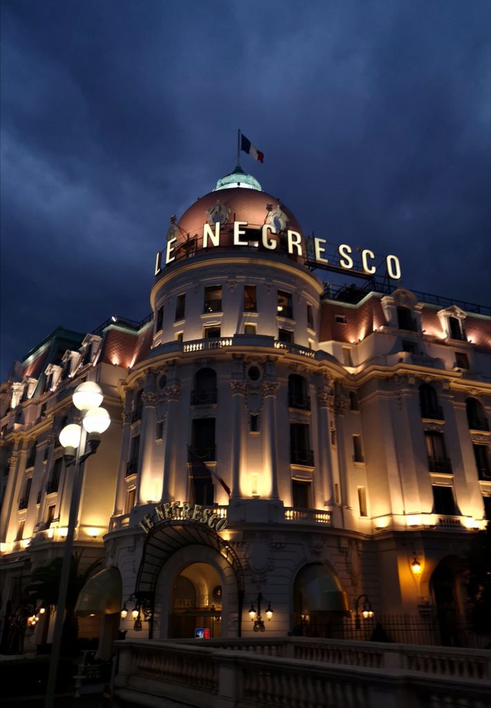 Qué hacer en Niza en 2 días: hotel Le Negresco