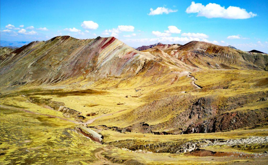 Palccoyo: hermosos paisajes lo adornan